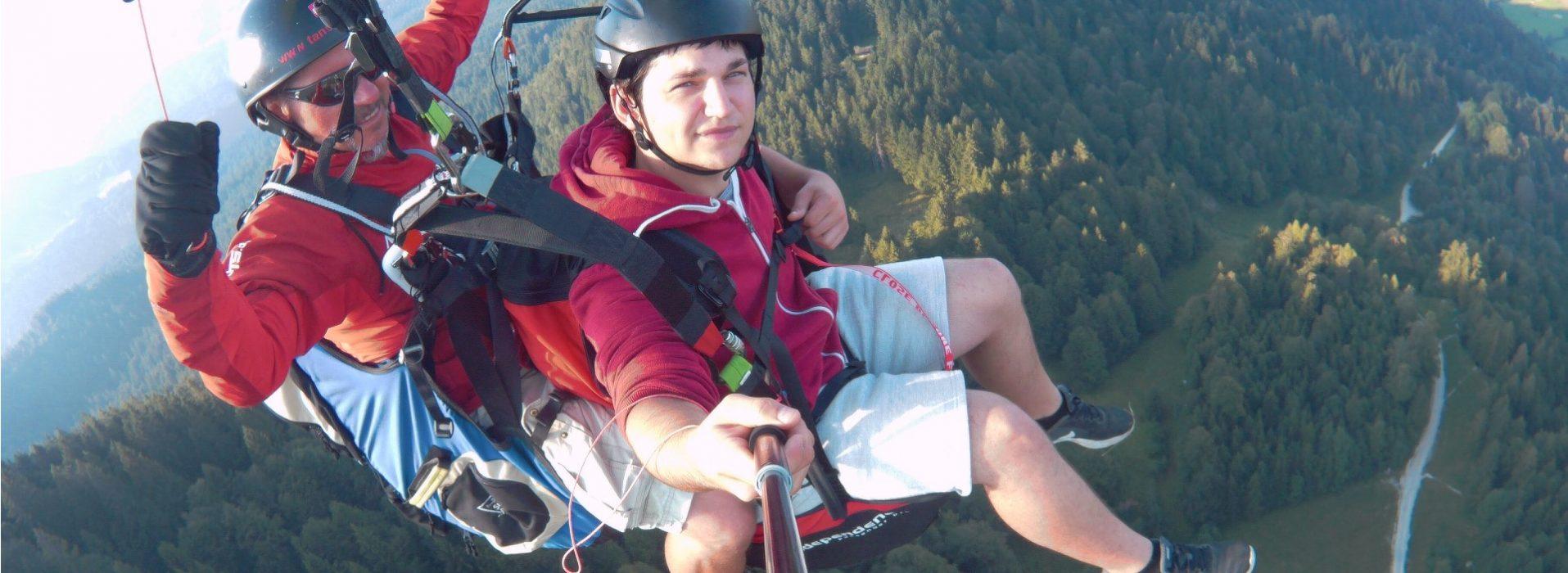 Gleitschirmflug mit Dominik vom Panorama-Restaurant Brauneck